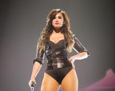 Demi Lovato quer virar lutadora de MMA   Folha Vitória