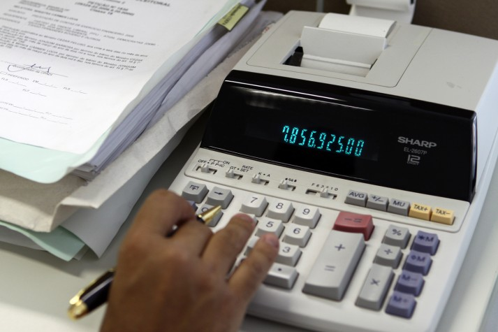 Vitória tem maior índice de famílias endividadas, segundo pesquisa ...