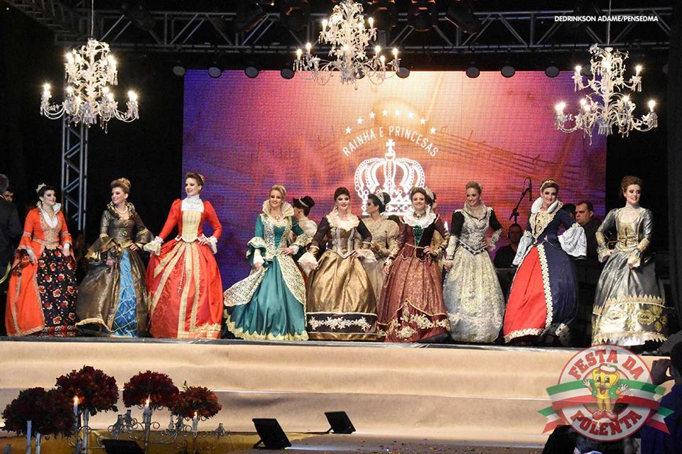 A escolha da Rainha e Princesas é um dos pontos altos da Festa da Polenta, em Venda Nova do Imigrante