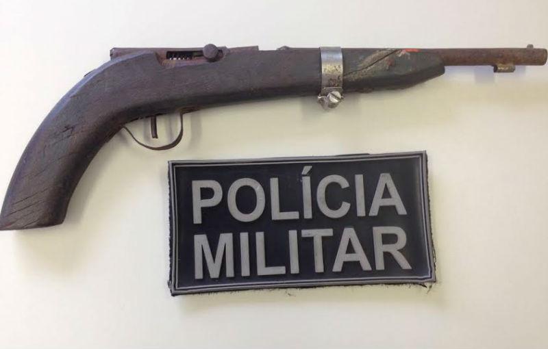 Arma de fabricação caseira é encontrada com menino de 8 anos em ...