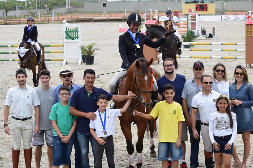 Cavaleiros e amazonas de Cachoeiro conquistam troféus na etapa ...