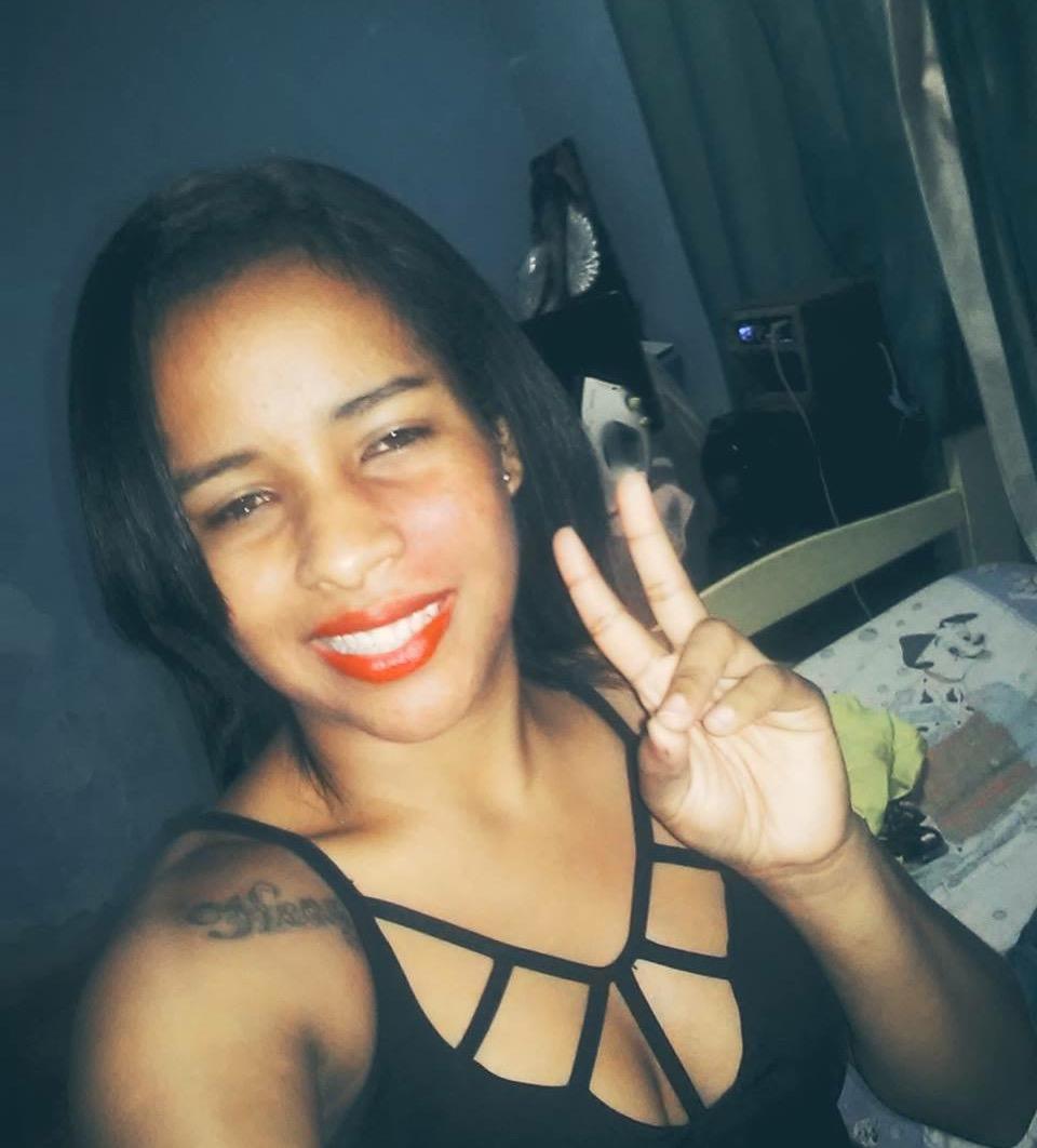 Jovem grávida é morta a facadas na frente do filho em Cariacica ...