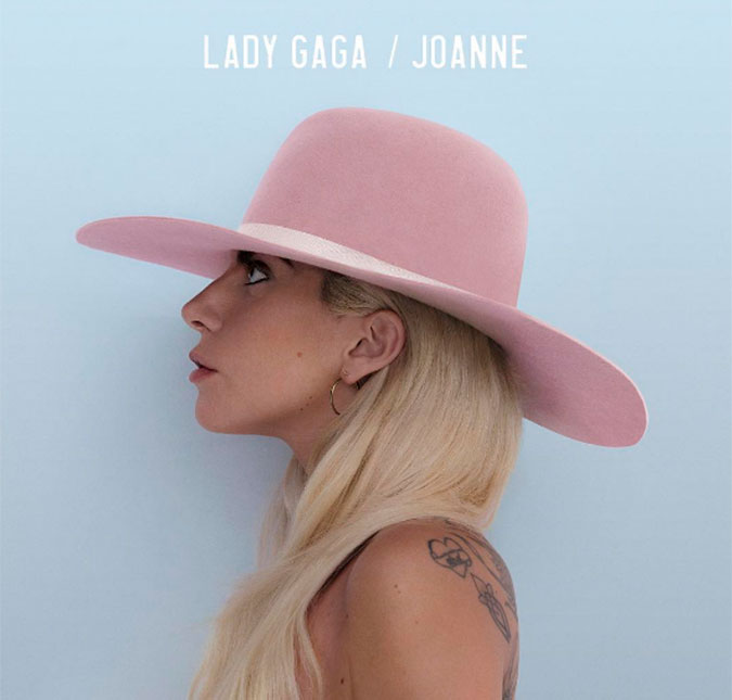 Lady Gaga faz primeira apresentação do novo álbum. Veja! | Folha ...
