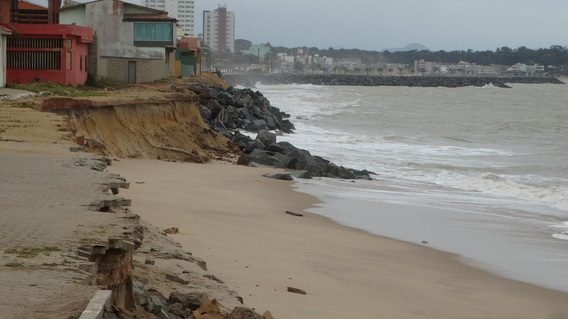 As obras da praia da Lagoa Funda, em Marataízes, devem ser retomadas até a próxima quarta-feira (12)