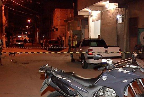 Jovem tenta se esconder, mas é assassinado a tiros em Vila Velha ...