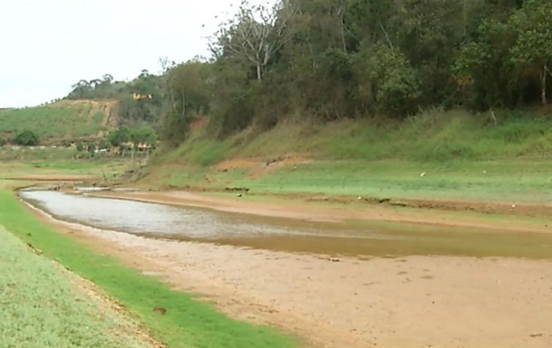 Chuva ajuda a aumentar nível dos rios, mas racionamento de água ...