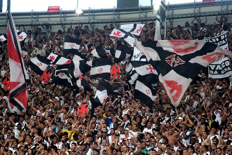 Criciúma faz última partida do ano no Heriberto Hülse contra o Vasco
