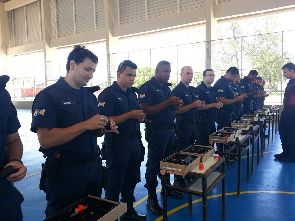Guardas municipais de marata zes participam de treinamento for Uso e porte de arma