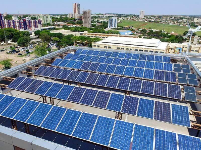 Resultado de imagem para Por que o Brasil deve investir em energia solar