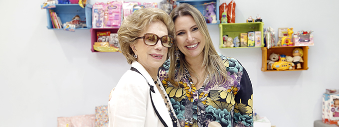 Eduarda Buaiz recebe doações na Loja de Brinquedos Vazia