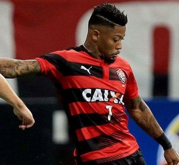 ba00793290d92 Marinho se despede do Vitória e anuncia que vai jogar no exterior ...