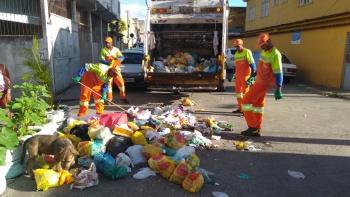 Garis retiram 435 toneladas de lixo em 24h em Vitória