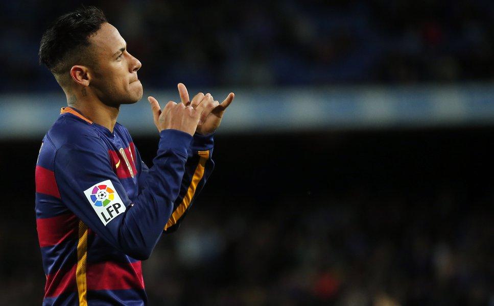 Neymar Tenta Exibir Esperança Após Barcelona Levar Goleada