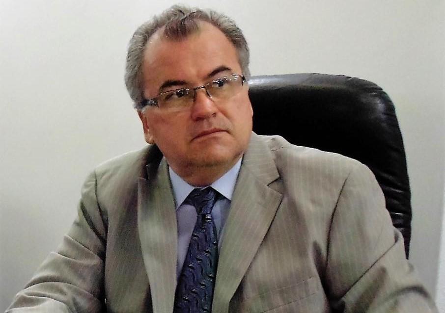 O vereador Alexandre Bastos está lúcido, após ter sofrido uma queda do terceiro andar de uma residência nesta sexta-feira (17)