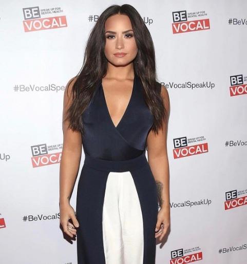 Demi Lovato é hackeada tem fotos íntimas vazadas na web
