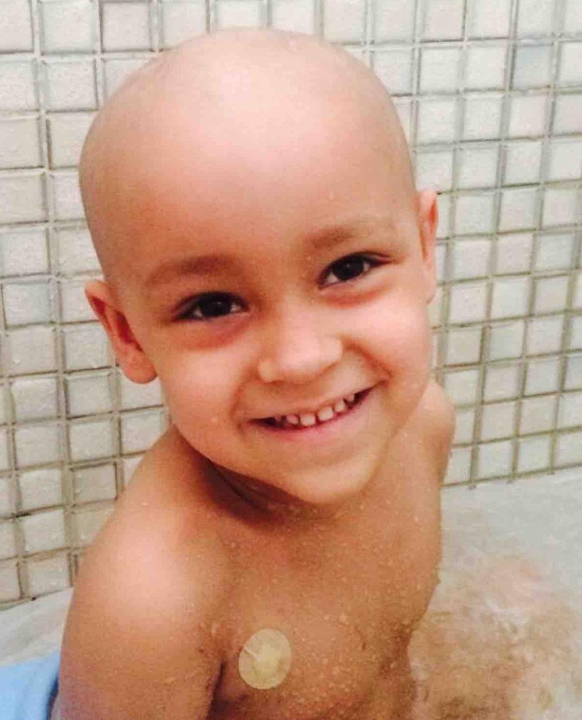 João Monjardim, de três anos, tem câncer raro