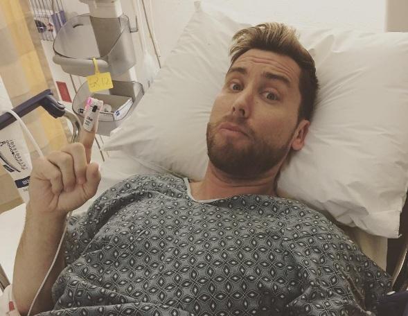 Lance Bass acompanhou o Oscar em uma cama de hospital ...