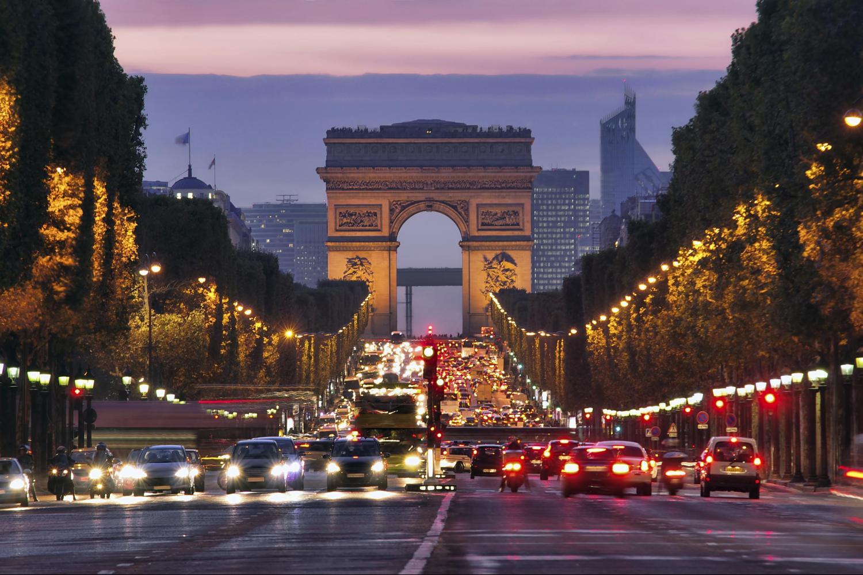 Polícia diz que autor de ataque em Paris foi interrogado em fevereiro