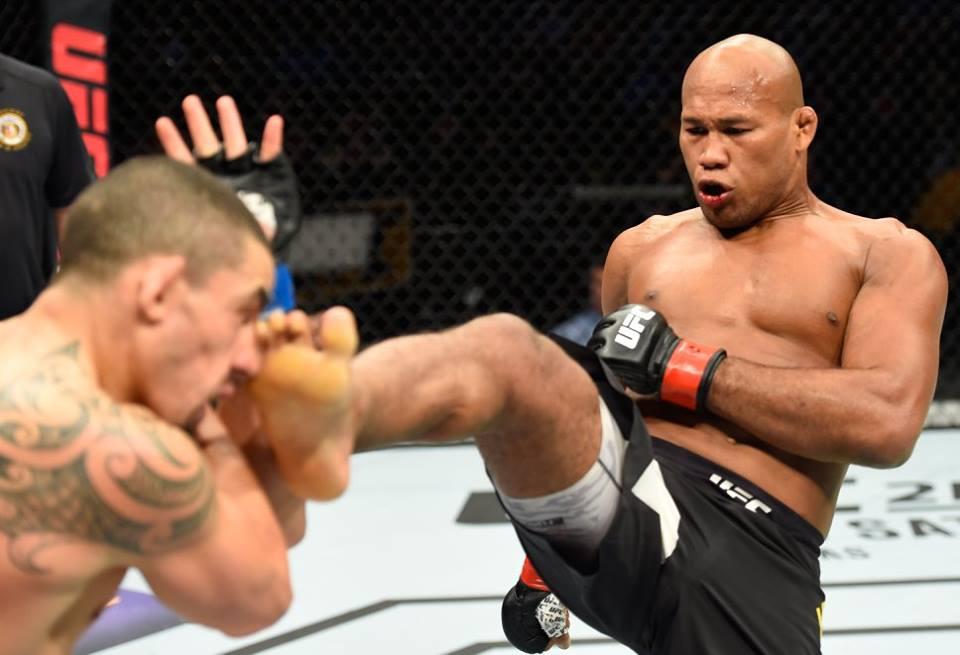 Jacaré perde no UFC e fica longe do cinturão