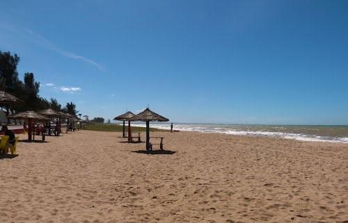 As praias de Marobá e das Neves atraem turistas ao município durante todo o ano