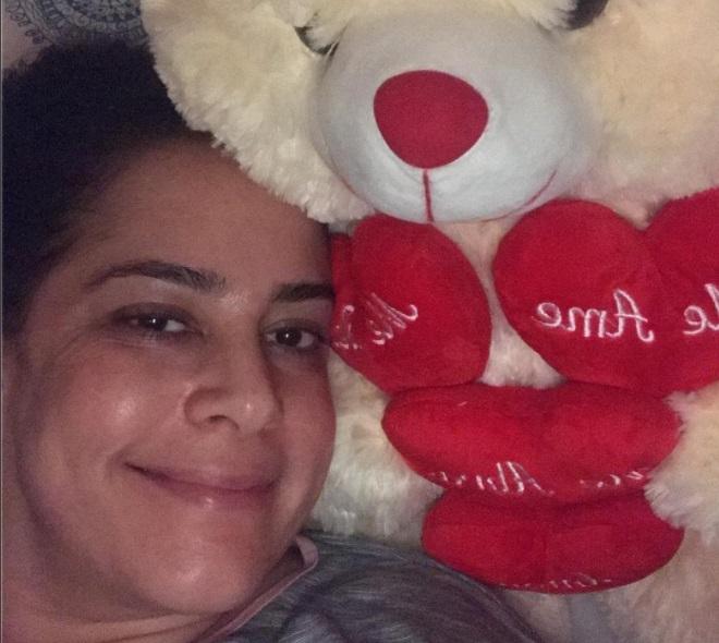 Após ser internada, Silvia Abravanel comemora alta