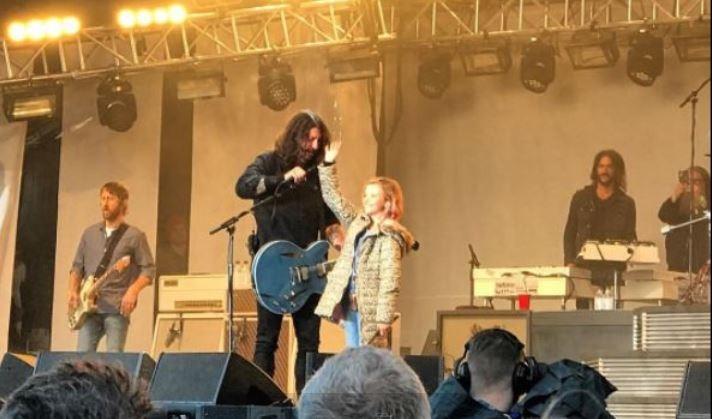 Foo Fighters mostra inédita e apresenta novas músicas na Islândia