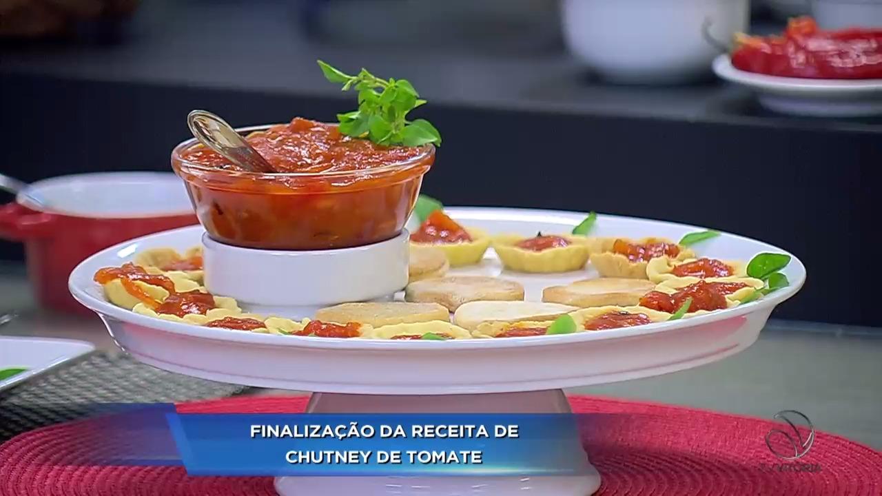 veja a finaliza o do chutney de tomate no espa o gourmet folha vit ria. Black Bedroom Furniture Sets. Home Design Ideas